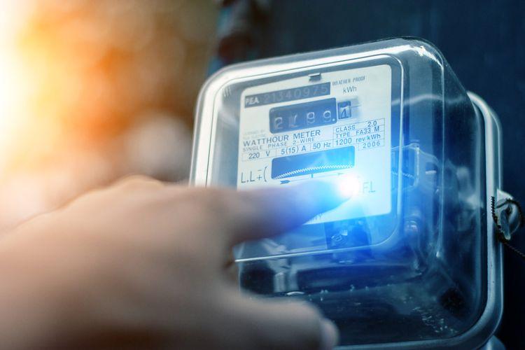 Ilustrasi listrik, meteran listrik