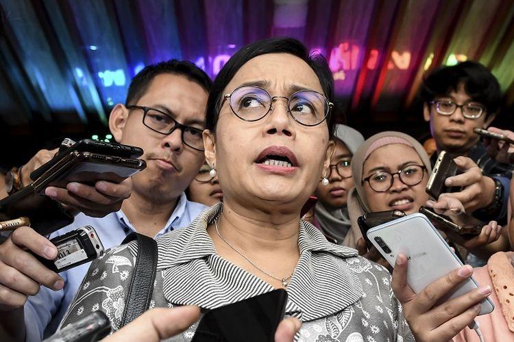 Menteri Keuangan Sri Mulyani menjawab pertanyaan wartawan usai mengikuti Rapat Koordinasi (Rakor) tentang Kebijakan Stimulus ke-2 Dampak COVID-19 di kantor Kemenko Perekonomian, Jakarta, Rabu (11/3/2020). Dalam Rakor tersebut dihasilkan beberapa hal salah satunya mencangkup PPH Pasal 21 yang akan ditanggung Pemerintah untuk industri. ANTARA FOTO/Muhammad Adimaja/ama.