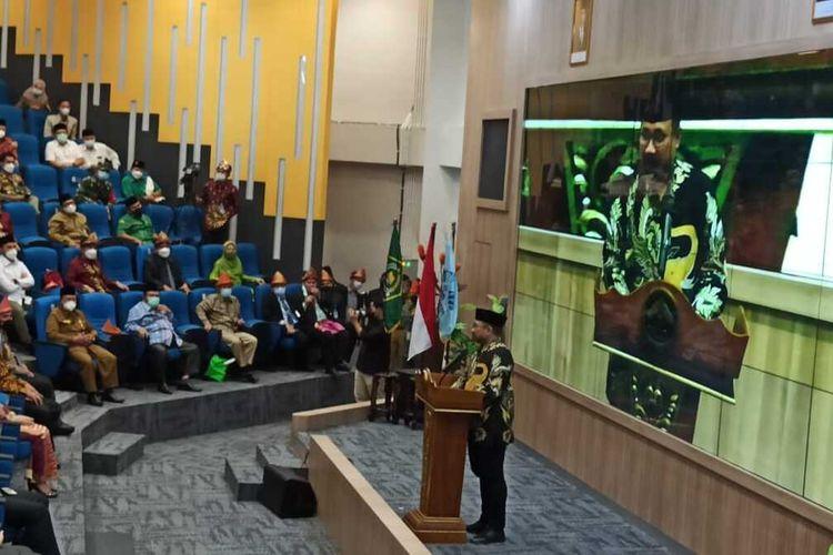 Menteri Agama Yaqut Cholil Qoumassaat memberikan paparan ketika meresmikan kampus Universitas Islam Negeri (UIN) Raden Fatah Palembang, Sumatera Selatan, Senin (24/5/2021).