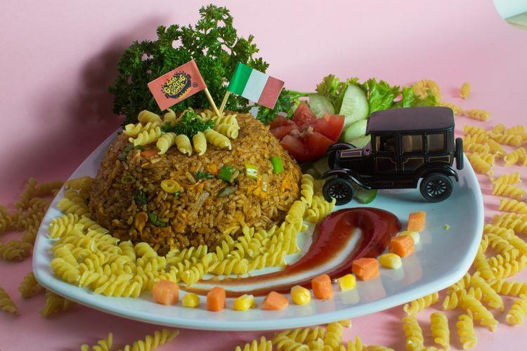Nasi goreng Italia, salah satu menu unggulan dari Kedai Nasi Goreng Dunia di Purwokerto.