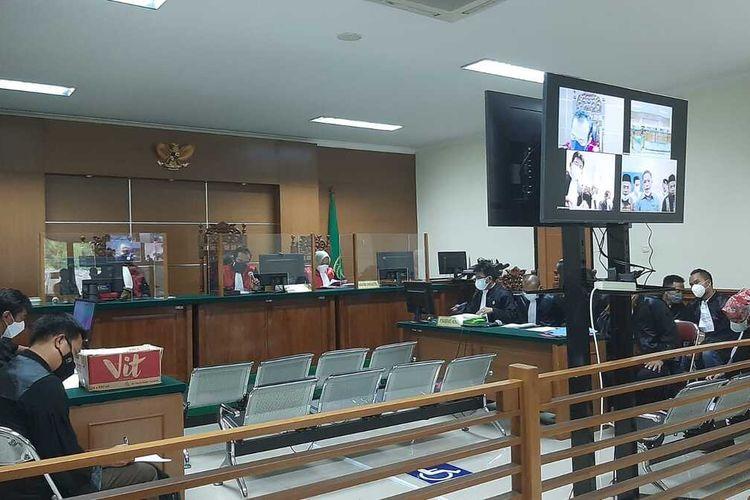 Sidang perdana kasus dugaan korupsi dana hibah pondok pesantren tahun 2018-2020 di Provinsi Banten.