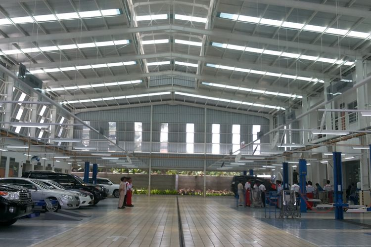 Diler Auto2000 di Grand Depok City yang baru saja diresmikan pada Jumat (17/11/2017).