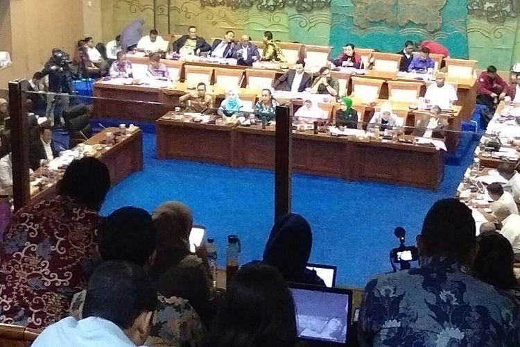 Rapat Dengar Pendapat (RDP) Komisi VII DPR RI kepada Menteri ESDM, Arifin Tasrif di Gedung DPR, Jakarta, Rabu (27/11/2019).