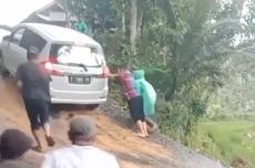 Viral, Video Ertiga Gagal Nanjak di Jalan yang Licin