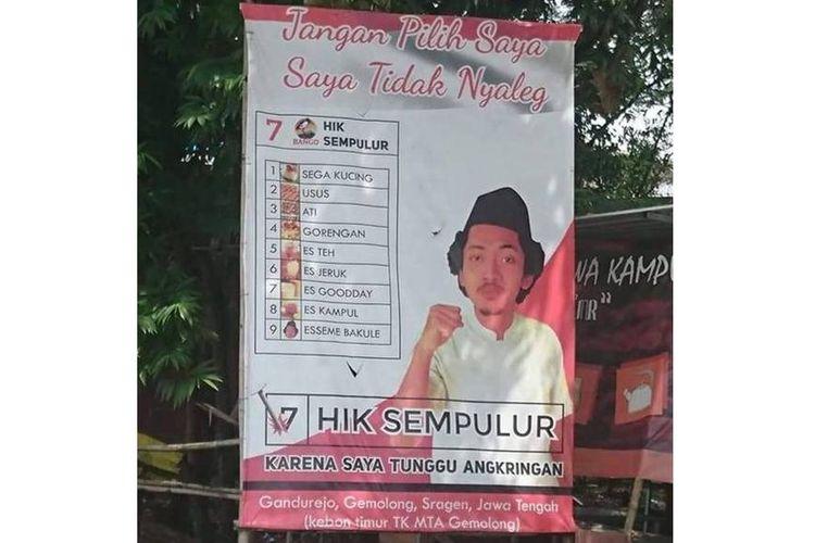 Tangkapan layar unggahan foto yang menampilkan baliho promosi angkringan menyerupai spanduk kampanye politisi saat gelaran pilkada.
