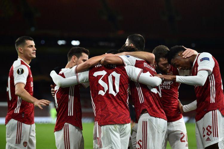 Para pemain Arsenal merayakan gol pada pertandingan kontra Dundalk pada matchday kedua Liga Europa 2020-2021 di Stadion Emirates, Jumat (30/10/2020) dini hari WIB.