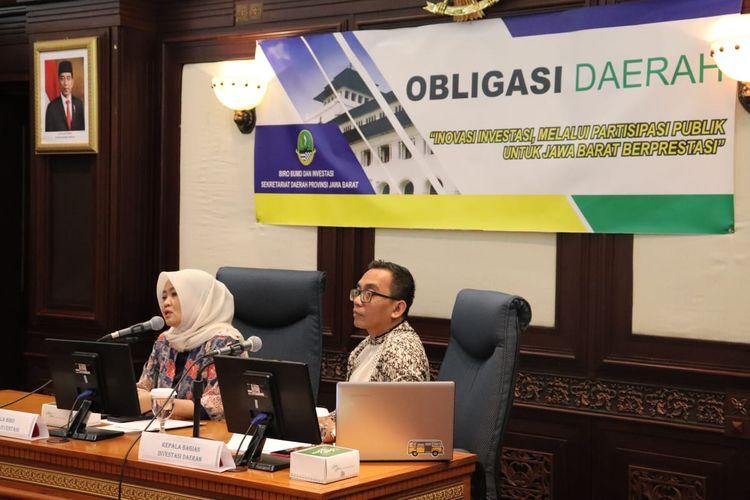 Caption: Kepala Biro Investasi dan BUMD Sekretariat Daerah Provinsi Jabar Noneng Komara Nengsih saat rapat membahas Obligasi Daerah, di Hotel Hilton Bandung, Jumat (25/10/2019).
