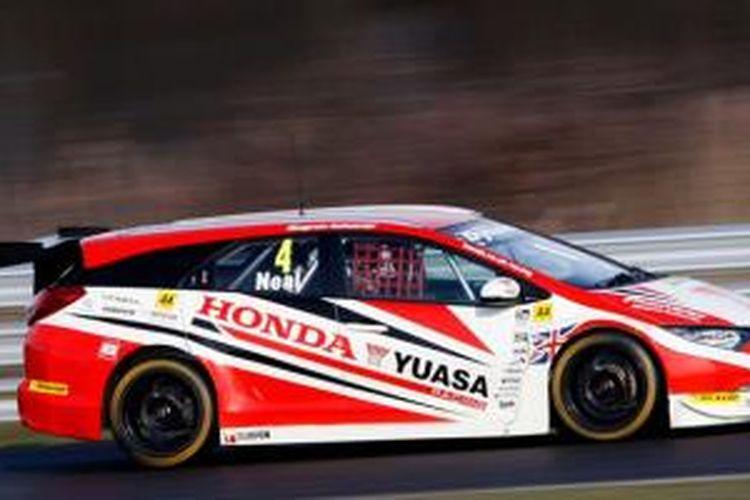 Civic Tourer racikan Honda Yuasa Racing untuk BTCC 2014