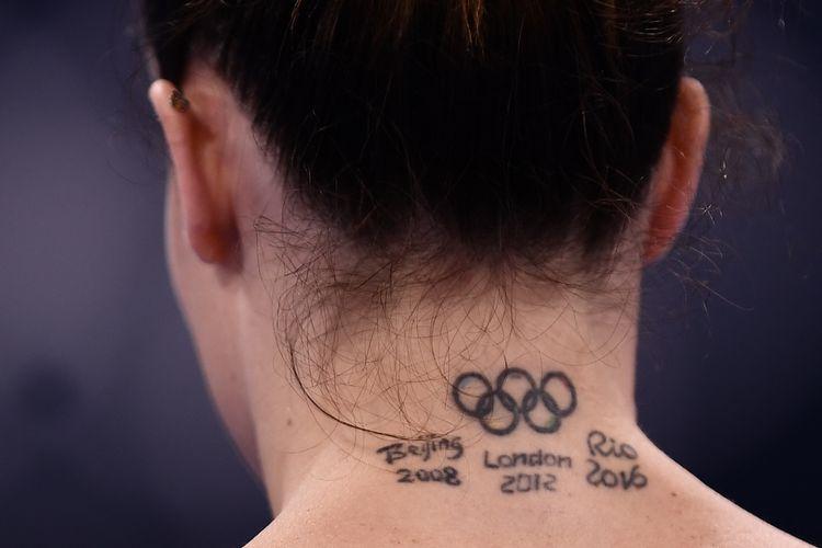 Vanessa Ferrari dari Italia bersiap untuk bertanding di nomor palang tidak rata kualifikasi senam artistik putri pada Olimpiade Tokyo 2020 di Ariake Gymnastics Center di Tokyo pada 25 Juli 2021.