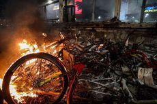 Kerugian MRT Jakarta Dampak Demo Anarkistis: Kaca Pecah hingga Ekskavator Terbakar