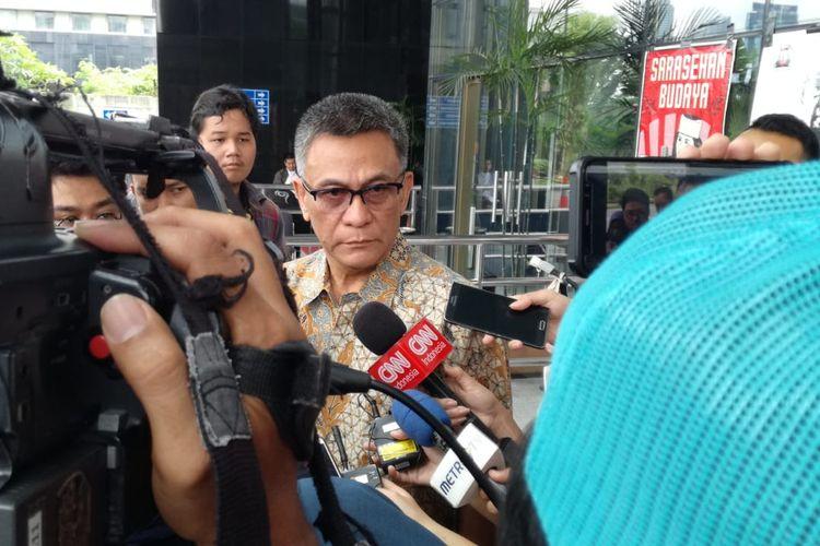 Mantan Inspektur Jenderal (Irjen) Kementerian PUPR Rildo Ananda Anwar memenuhi panggilan pemeriksaan di Komisi Pemberantasan Korupsi (KPK), Jakarta, Jumat (12/4/2019).