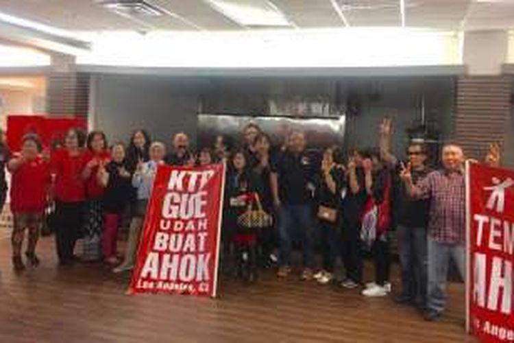 WNI diaspora di Los Angeles, California, Amerika Serikat, Sabtu (19/11/2016) siang, mendeklarasikan dukungan atas Basuki Tjahaja Purnama alis Ahok dan Djarot Syaiful Hidayat sebagai calon Gubernur dan Wagub DKI Jakarta 2017.