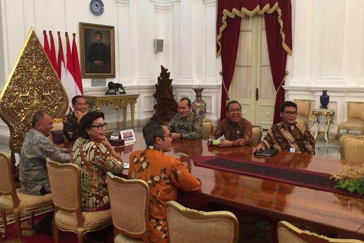 Presiden Joko Widodo menerima pimpinan Komisi Pemberantasan Korupsi di Istana Merdeka, Jakarta, Jumat (5/5/2017)