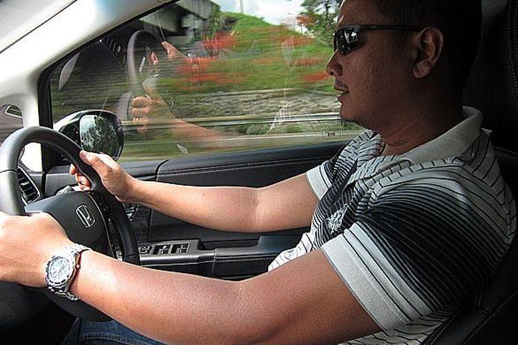 Posisi mengemudi yang ergonomis