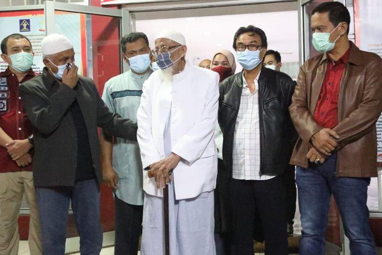 Abu Bakar Baasyir bebas dari Lapas Gunung Sindur, Kabupaten Bogor, Jawa Barat, Jumat (8/1/2021).