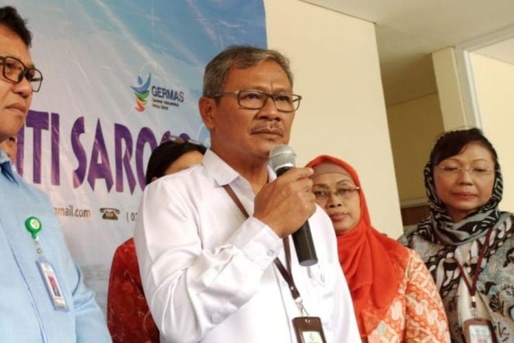 Jajaran direksi RSPI Sulianti Saroso dan Juru Bicara Penanganan Corona Achmad Yurianto di RSPI Sulianti Saroso, Jakarta Utara, Rabu (4/3/2020).