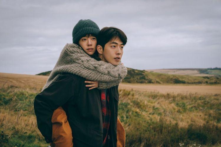 Nam Joo Hyuk dan Han Ji Min dalam film Josee