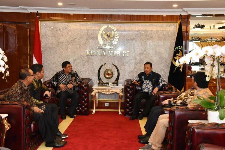 Ketua MPR RI Bambang Soesatyo meminta pemerintah memprioritaskan kebutuhan rumah rakyat miskin.