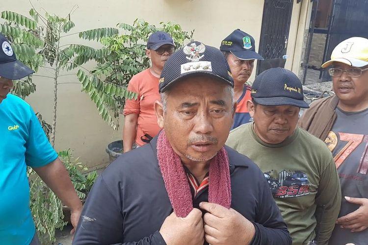 Wali Kota Bekasi Rahmat Effendi selepas meninjau sejumlah perumahan yang cukup parah terdampak banjir di Kota Bekasi, Selasa (14/1/2020).