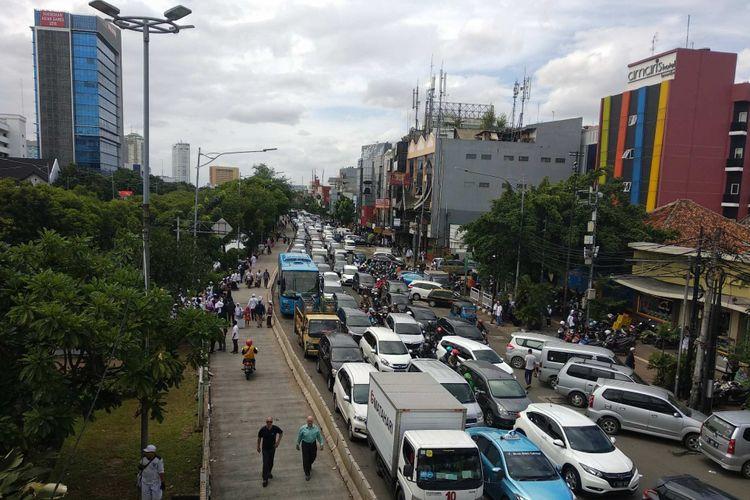Kemacetan di Jalan Ir H Juanda, Jakarta Pusat, imbas bubaran massa Reuni 212, Sabtu (2/12/2017).