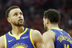 Stephen Curry Langkahi Rekor Tembakan Tiga Angka Legenda NBA