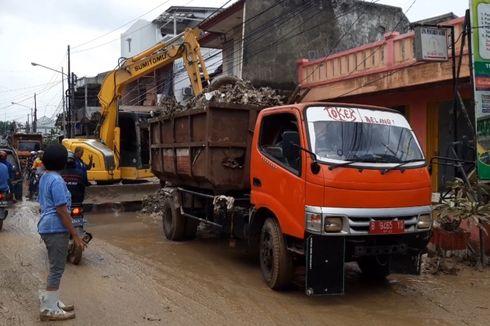 Pemkot Bekasi Prioritaskan Buka Jalur di Jalan Perumahan Pondok Gede Permai