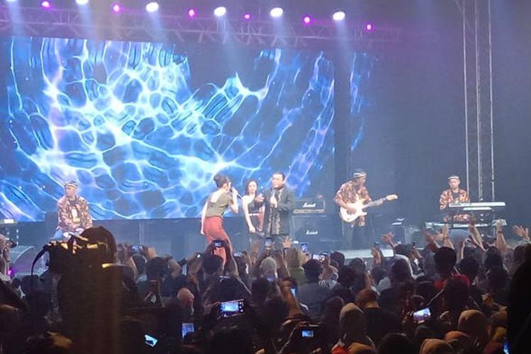 Penyanyi campursari Didi Kempot menggelar Konangan Concert di Live Space SCBD, Jakarta Selatan, Jumat (20/9/2019).