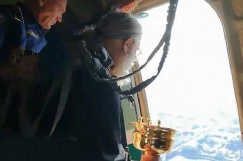 Usir Mabuk dan Zina, Pendeta Rusia Jatuhkan Air Suci ke Kota