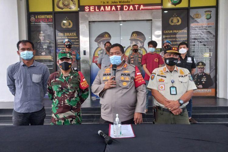 Polisi tetap pelanggar protokol kesehatan yang mengaku keluarga jenderal dan lawan petugas di Ciputat, Tangerang Selatan sebagai tersangka, Rabu (7/7/2021).
