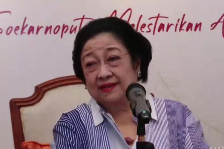 Ketua Umum Partai Demokrasi Indonesia (PDI-P) Megawati Soekarnoputri peluncuran buku ?Merawat Pertiwi, Jalan Megawati Soekarnoputri Melestarikan Alam? yang diunggah di akun Youtube PDI-P, Rabu (24/3/2021).