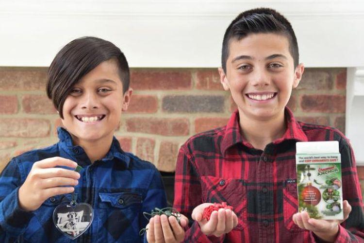 Ayaan dan Mickey Naqvi, penemu Ornament Anchor