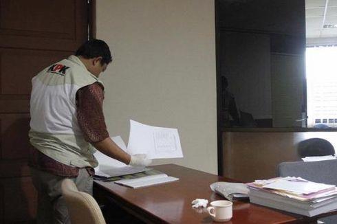 KPK Sita Dokumen Terkait Dana Hibah dari Ruang Menpora Imam Nahrawi