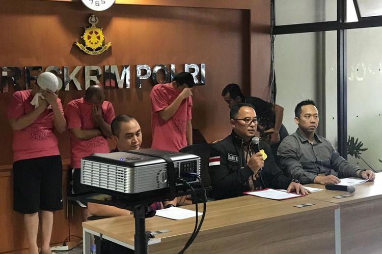 Kasubdit I Tindak Pidana Siber Bareskrim Polri Kombes (Pol) Dani Kustoni saat konferensi pers di Bareskrim Polri, Cideng, Jakarta Pusat, Jumat (14/12/2018).