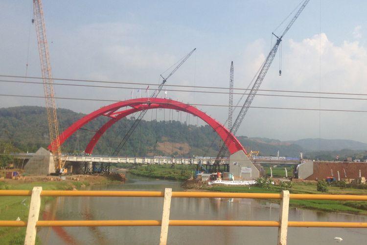 Jembatan Kalikuto di ruas tol fungsional Batang-Semarang dibuka pada H-2 Lebaran, Rabu (13/6/2018).