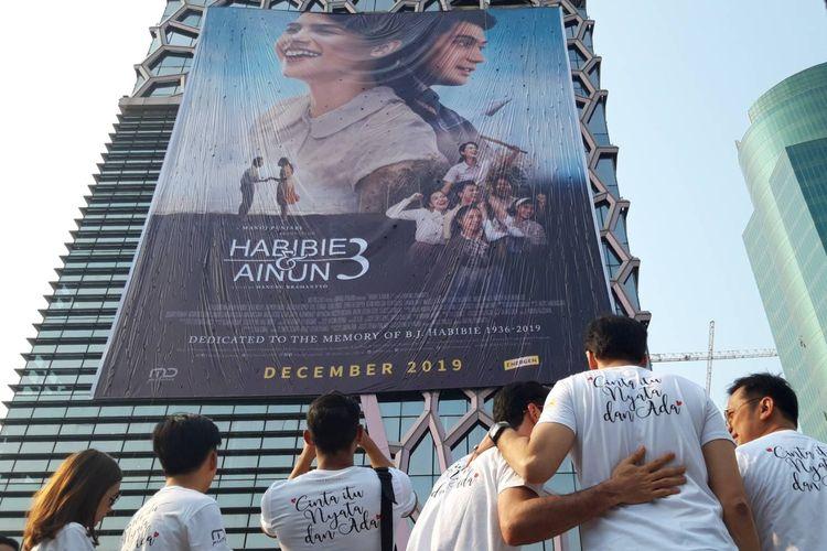 Peluncuran poster film Habibie & Ainun 3 pada Kamis (31/10/2019) di Gedung MD Place, Setiabudi, Jakarta.