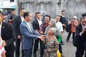 Saat Jokowi Diteriaki 'Selamat Presiden' oleh Warga yang Antre...