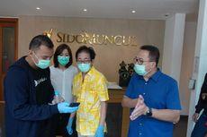 Rhenald Kasali Bersama Kitabisa.com Galang Dana untuk Para Sopir Taksi