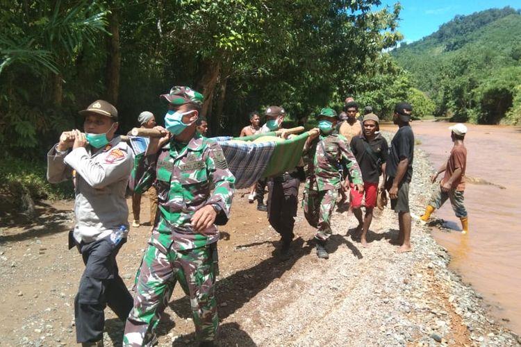 Jenazah salah seorang penambang emas di Desa Buluh Kuning, Kotabaru, Kalsel berhasil dievakuasi tim gabungan, Senin (1/2020) kemarin.