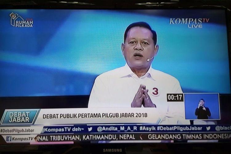 Calon gubernur Jawa Barat, Sudrajat, saat debat pilkada di Gedung Sabuga, Bandung, Senin (12/3/2018).