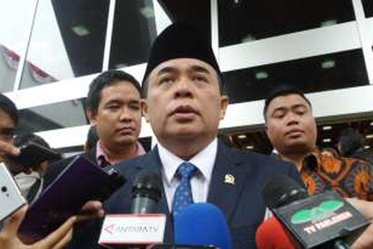 Ketua DPR Ade Komarudin di Kompleks Parlemen, Senayan, Jakarta, Selasa (30/8/2016)