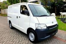 Mengapa Putih Jadi Warna Favorit Pikap dan Blind Van?