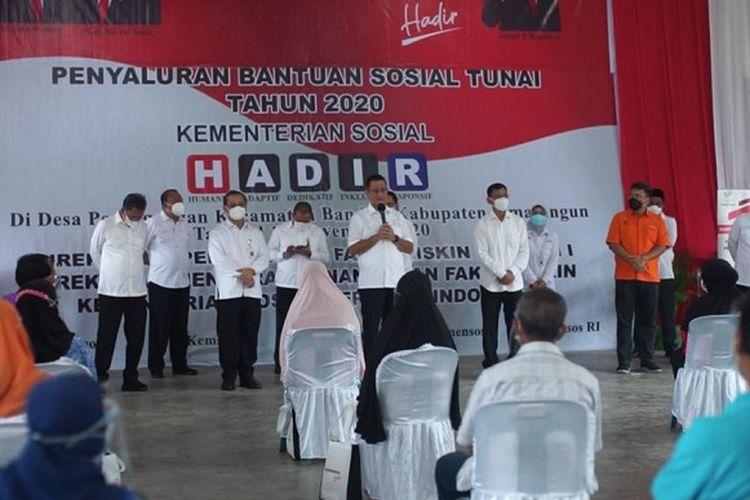 Penyaluran Bansos BST di Kabupaten Simalungun oleh Mensos Juliari P. Batubara.