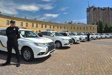Outlander PHEV Resmi Jadi Mobil Polisi Ukraina