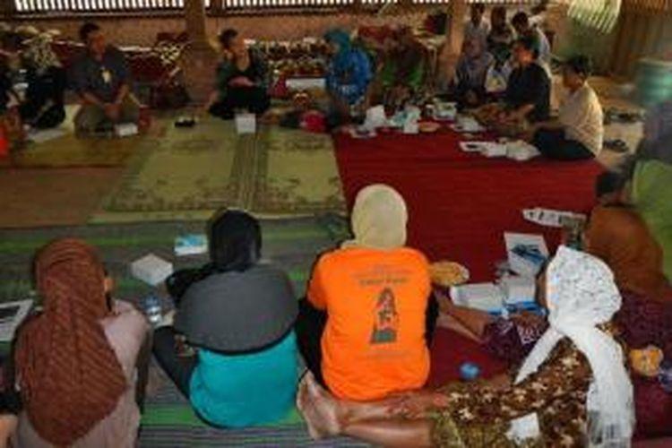 Pelatihan pengelolaan keuangan Komunitas Simbar Wareh dan Desantara Foundation