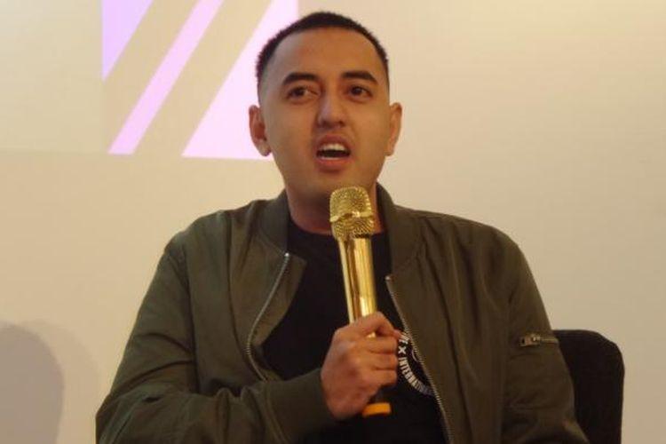 Kemal Palevi berbicara dalam konferensi pers WebTVAsia di Qubicle, Jalan Senopati 79, Jakarta Selatan, Kamis (23/6/2016) malam.