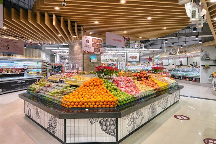 Ranch Market menyediakan berbagai buah-buahan segar, baik lokal maupun impor.