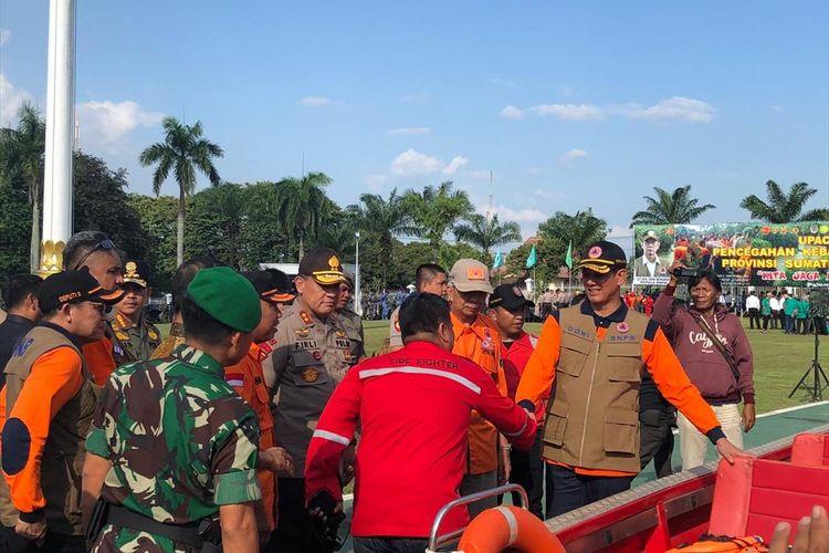 Kepala BNPB Letjen TNI Doni Mardano saat menghadiri apel siaga kebakaran hutan dan lahan di Griya Agung Palembang, Sumatera Selatan, Selasa (9/7/2019).