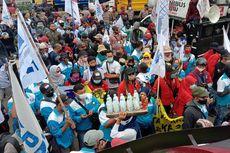 Masa KSPI Gelar Demo di Depan DPR, Tuntut Batalkan UU Cipta Kerja dan Naikkan Upah Minimum 2021