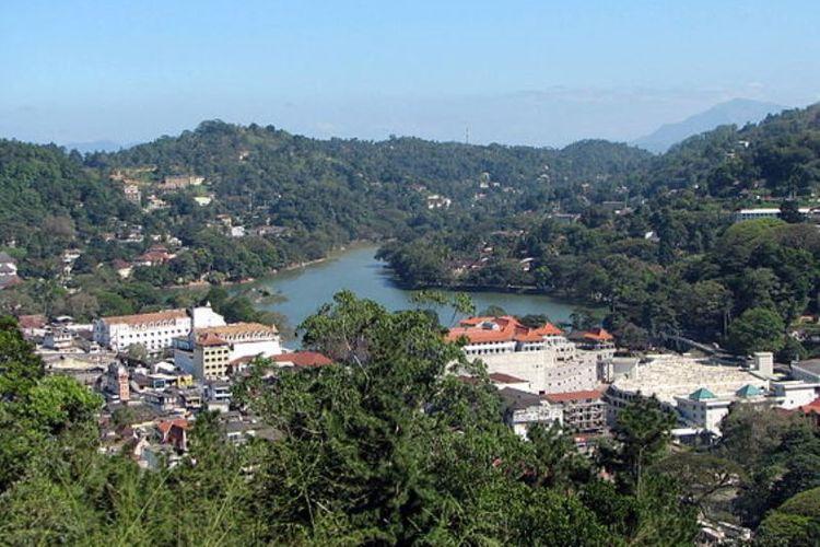 Kota Kandy yang menjadi pusat kerusuha sektarian di Sri Lanka.