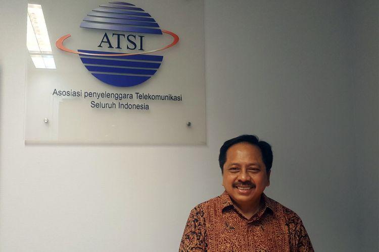 Ketua Umum ATSI, Merza Fachys memberikan update seputar registrasi kartu prabayar, Senin (23/4/2018), di Kantor ATSI, Kuningan, Jakarta.